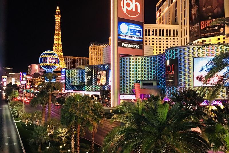 Тур в лас вегас в казино смотреть порно играют в карты